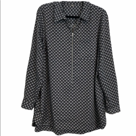 Long Pullover Tunic Size 1X. Black, Grey, & White